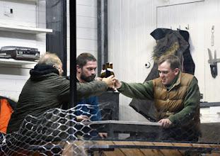 """Photo: EISWIND von Arpad Schilling - ein """"Anti-Orban-Projekt im Wiener Akademietheater. Premiere am 25.5.2016. Inszenierung: Arpad Schilling.  Falk Rockstroh, Zoltan Nagy, Martin Vischer . Copyright;: Barbara Zeininger"""