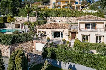 villa à La Roquette-sur-Siagne (06)
