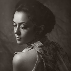 Valery by Dmitry Baev - People Portraits of Women ( studio, girl, black and white, woman, beautiful, green eyes, freckles, portrait )