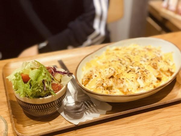 九州鬆餅 九州鬆餅 莓果鬆餅超美味 幸福感十足的確幸小屋 富錦街的日式氛圍 咖喱飯 嫩雞 焗烤飯
