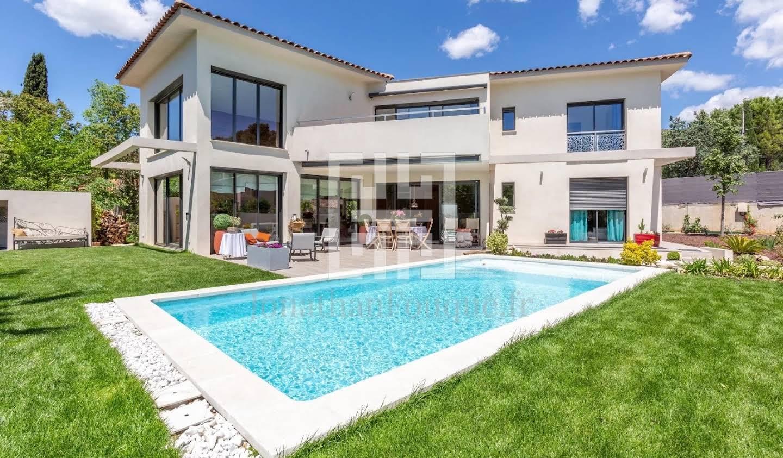 Villa Gemenos