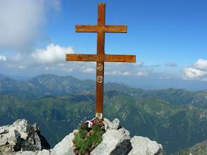 Photo: A Krivánon álló jelenlegi kettős keresztet 2003 augusztusában állították fel. Fotó: geocaching.hu,