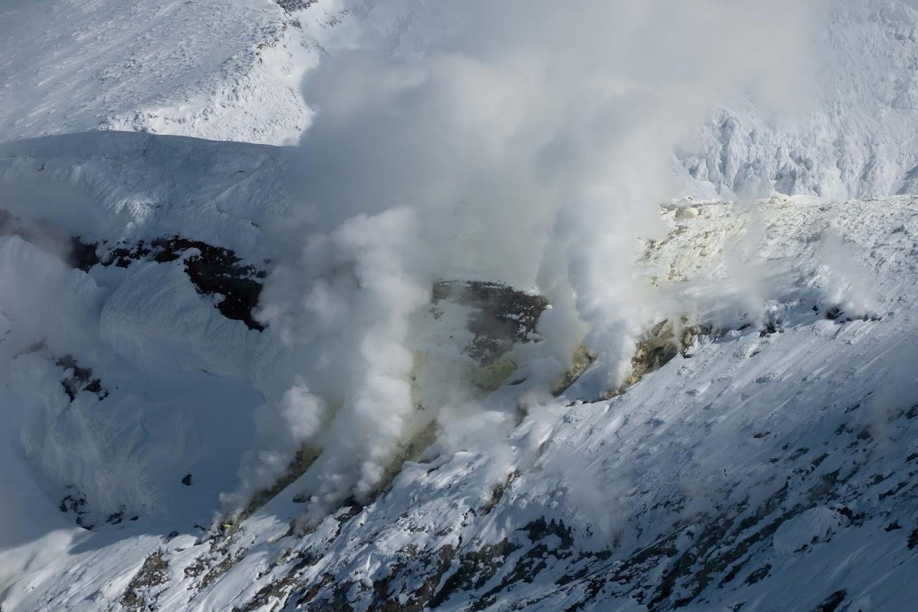 Steam vents on Maetokachi-dake