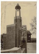 Photo: 1939 De Haagpoortbrug Op de achtergrond het Tramstation Haagsche Poort