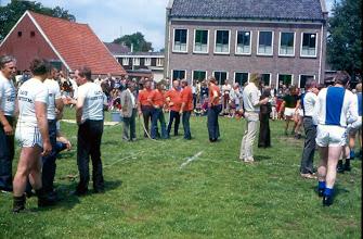 Photo: links ploeg Arnold Jansen, Bé Hadderingh enz.