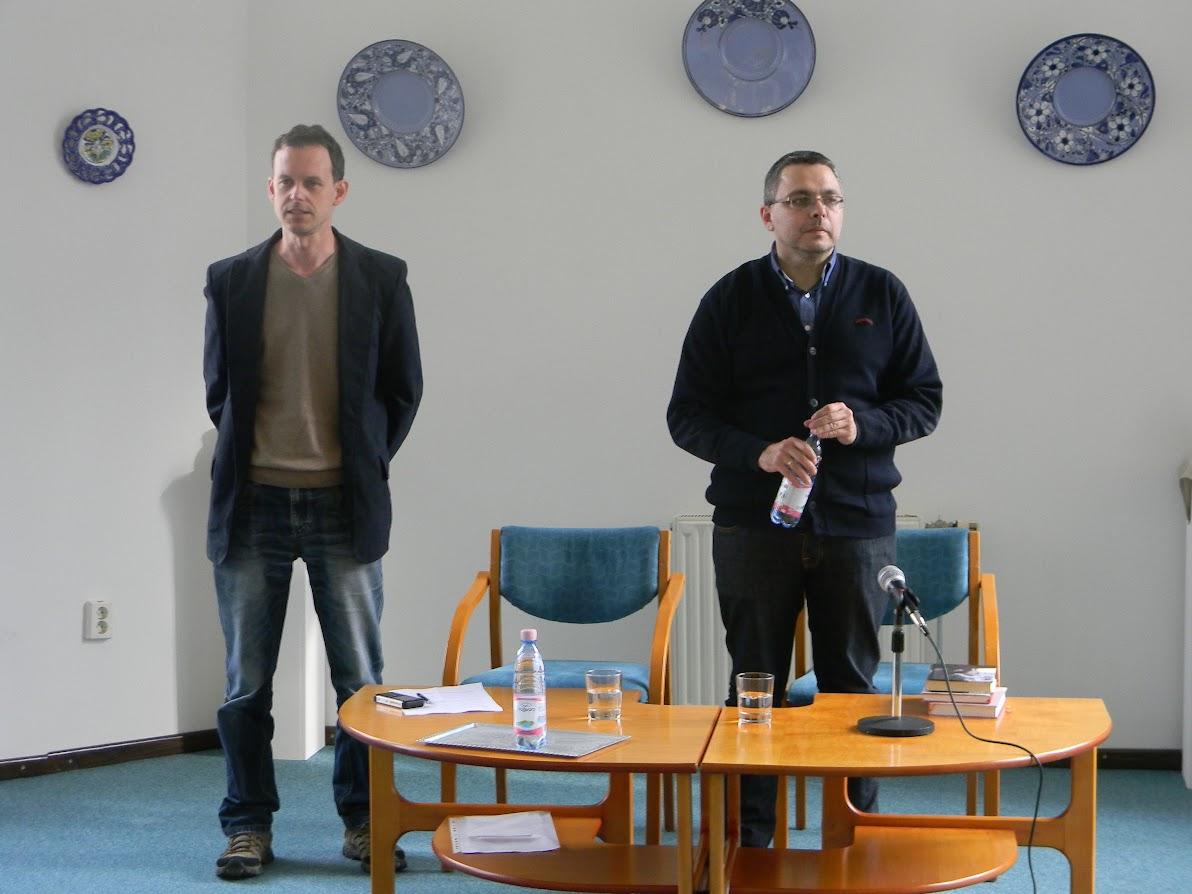Az íróval Tálas László, a SzolnokTV munkatársa beszélgetett