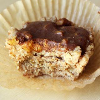 Cinnamon Walnut Crumb Cake