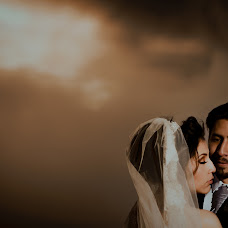 Wedding photographer Valery Garnica (focusmilebodas2). Photo of 19.02.2018
