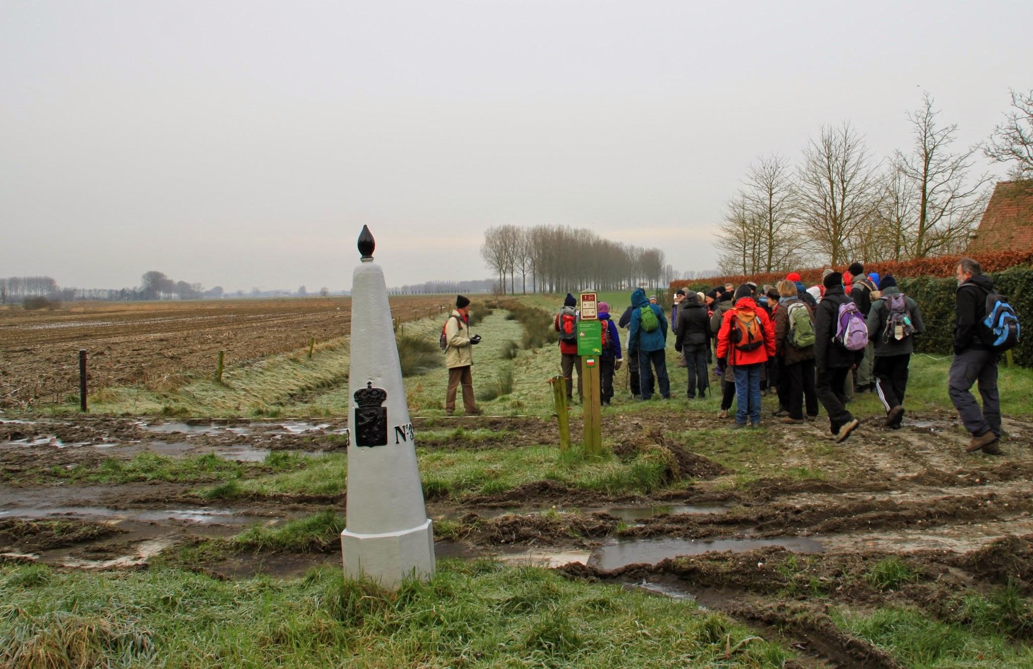 Photo: Aan de Nederlandse grens