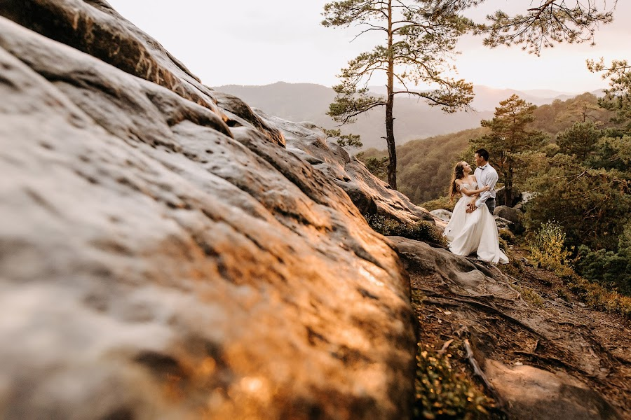 Wedding photographer Alexandr Mart (alexmart). Photo of 03.12.2019
