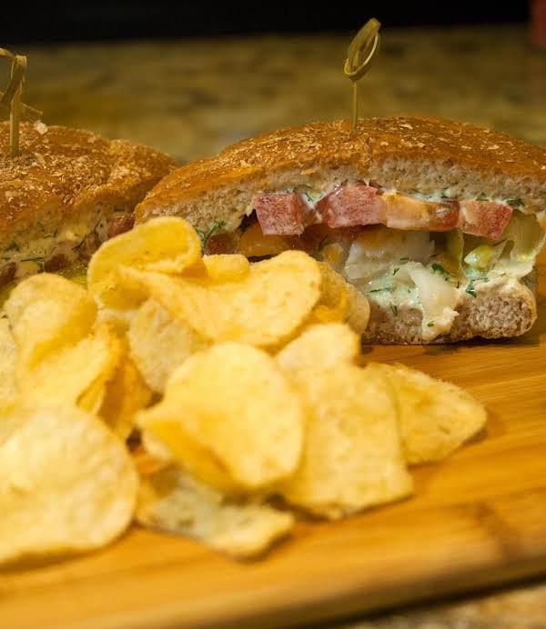 Sandwich Essentials: Easy/peasy Fish Burger Recipe