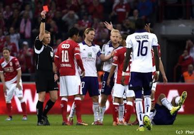 Carcela suspendu 3 matches, le Standard en appel