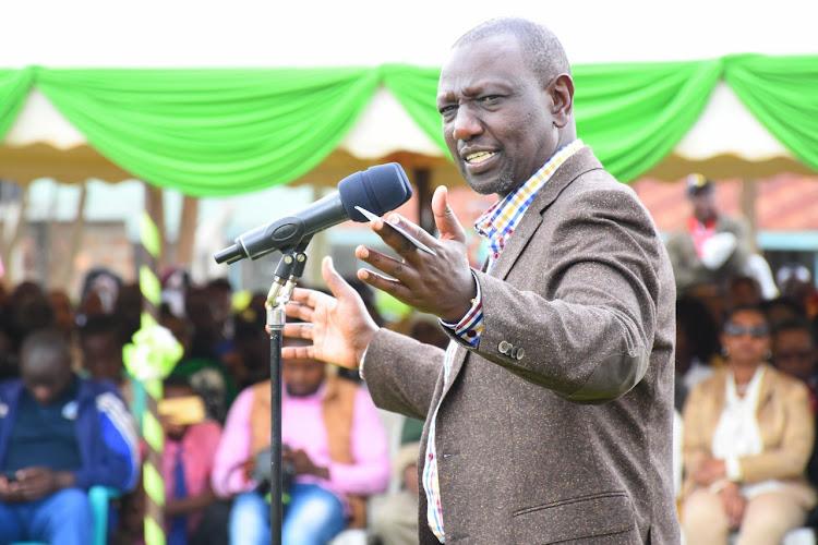 Deputy President William Ruto speaking at the Giakanja High School in Nyeri county.