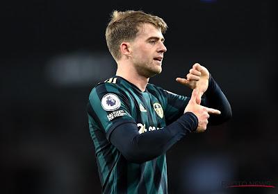 🎥 Un Bamford puissance 3 offre une belle victoire à Leeds contre Aston Villa