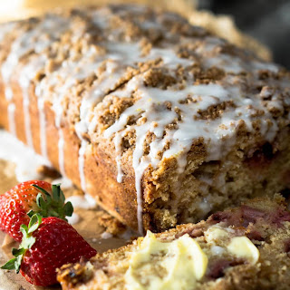 Strawberry Rhubarb Bread with Streusel Topping Recipe