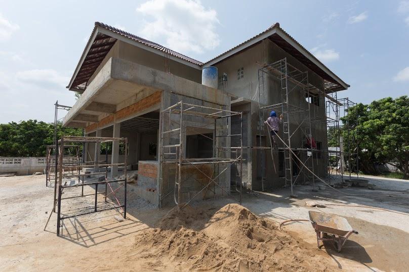 Budowa domu z dachem płaskim