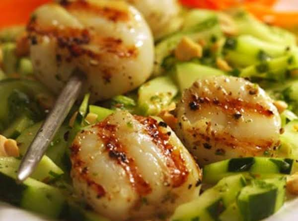 Lemony Scallops & Cucumber - Low-calorie Dish Recipe