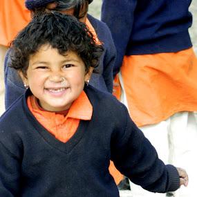 YEAH........SCHOOL OVER !!!!! by Matty Dion - Babies & Children Child Portraits
