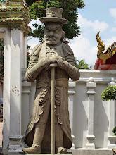 Photo: Wat Pho - Temple du Bouddha couché - Bangkok - Pharang (occidental)