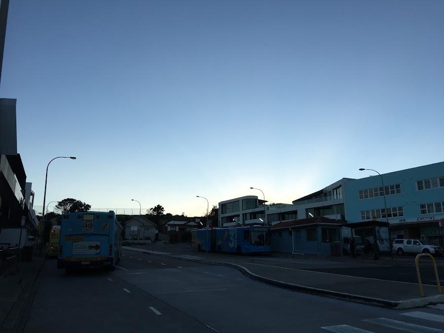 終点のノースボンダイのバス停