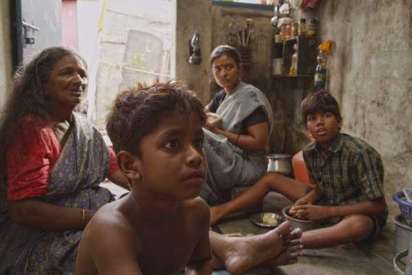 Kaaka Muttai Tamil Vimarsanam