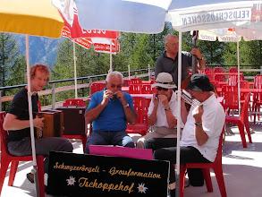 Photo: Unsere Mundharmonikagruppe: Simon Dettwiler am Örgeli, Paul Lüdi, Peter und Lotti Schaffner Mundharmonika und Erich Lauber am Bass