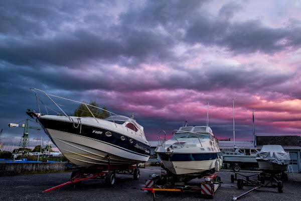 Rosy red sky di thomas_gutschi