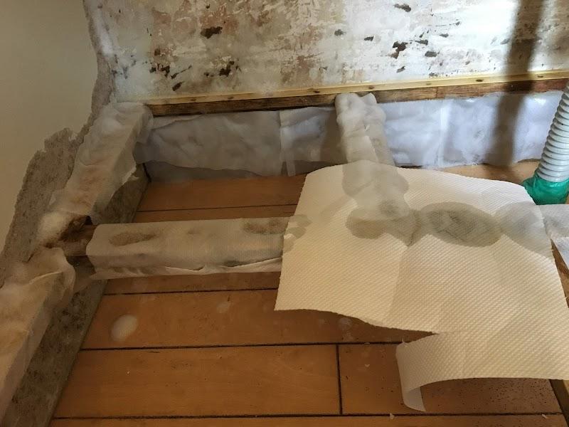 乾かないようにキッチンペーパーで保護します