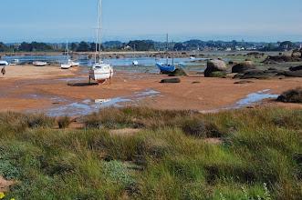 Photo: BRETANYA 2013. TRÉGASTEL. . PRESQU' ÎLLE RENOTE. També va pujant la marea a la Badia de Sainte Anna...