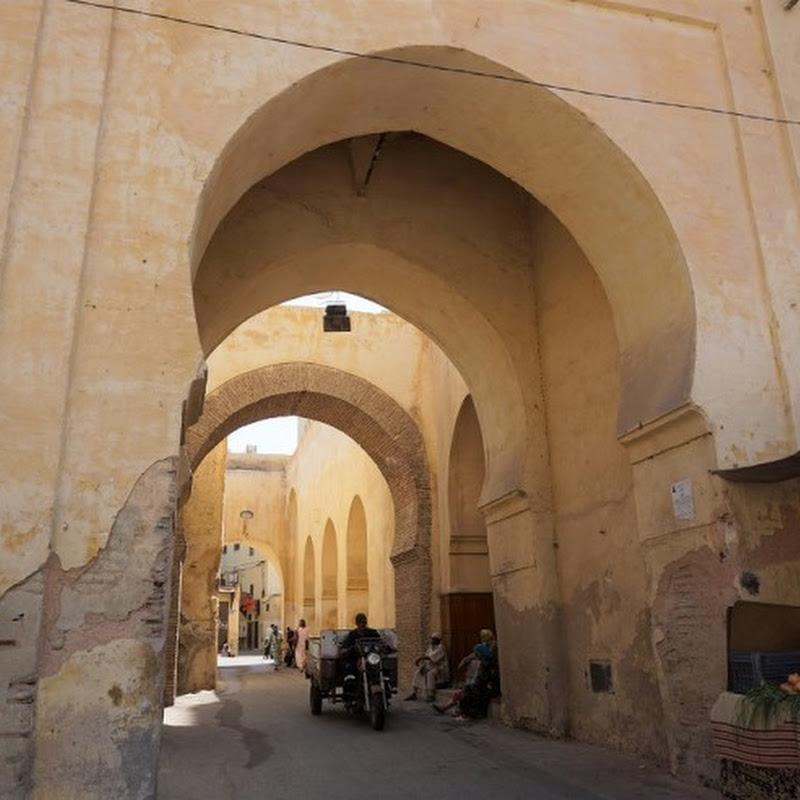 かつてモロッコの王が夢見た壮大な王都の跡をたどる、世界遺産の古都・メクネスを歩く旅