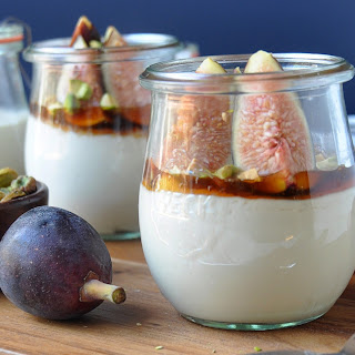 Fresh Figs with Mascarpone, Honey and Pistachios Recipe