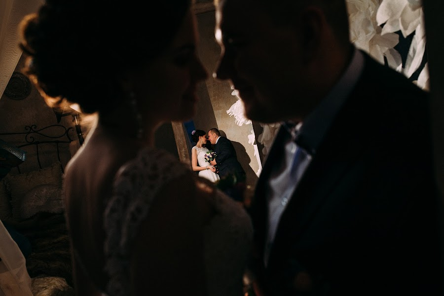 婚礼摄影师Lyubov Pyatovskaya(Lubania89)。28.01.2016的照片