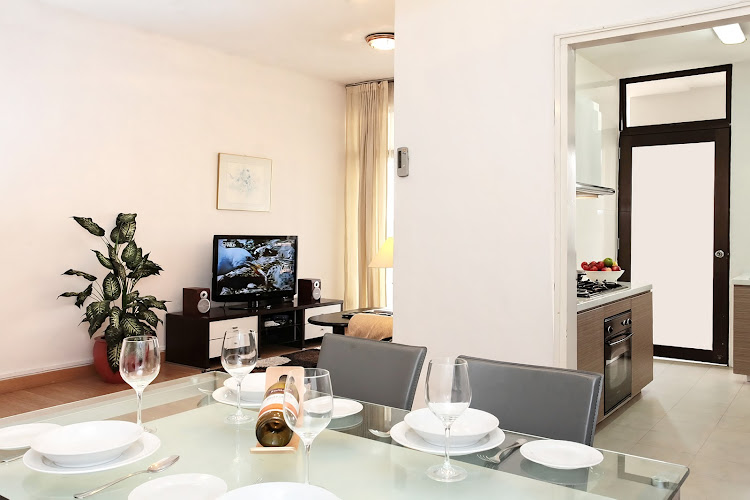 far-east-plaza-residences-refurb-2br-dining