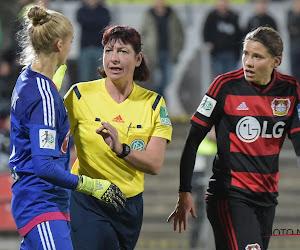 🎥 Grappig: Bayer Leverkusen stunt bij Bayern München, speelster krijgt bal in het gezicht