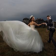 Wedding photographer Alena Abrikos (lukoe). Photo of 20.08.2014