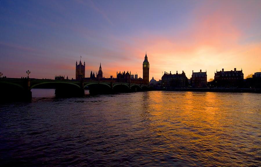Thames Sunset by Gavin Dougan - City,  Street & Park  Vistas ( colour, england, europe, blast, london, sunset )