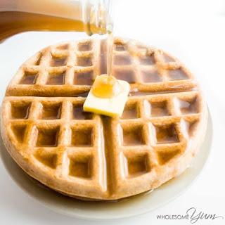 4-Ingredient Flourless Low Carb Waffles (Paleo, Gluten-free).