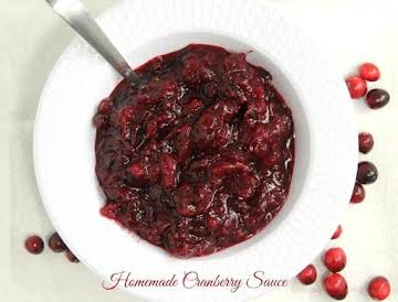 Quick and Easy Homemade Cranberry Sauce
