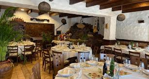 Salón del asador en Campohermoso.