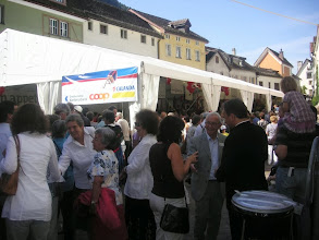 Photo: Beim Festzelt