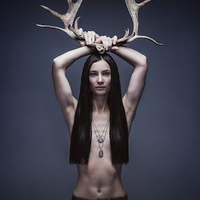 Rein Love by Jon-Eirik Boholm - People Fashion (  )