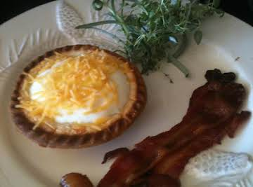 Cracked Egg Mini Pie