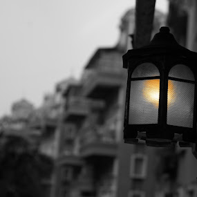 by Akshay Bhondokar - Backgrounds Abstract ( lamps, depth of field, buildings )