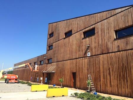 Olieën hout bedrijfsgebouw te Leuven - schilderwerken Leuven : oliën hout