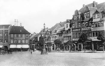 Photo: Der Markt gesehen vom Rathaus