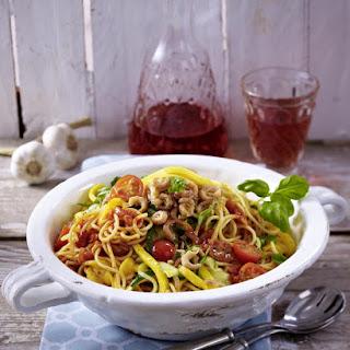 Spaghetti with Mango and Shrimps