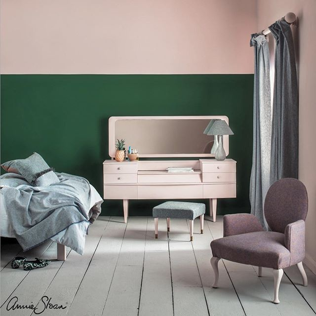 A Pink and Green Bedroom Scheme