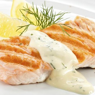 Salmon with Greek Yogurt and Dill Sauce