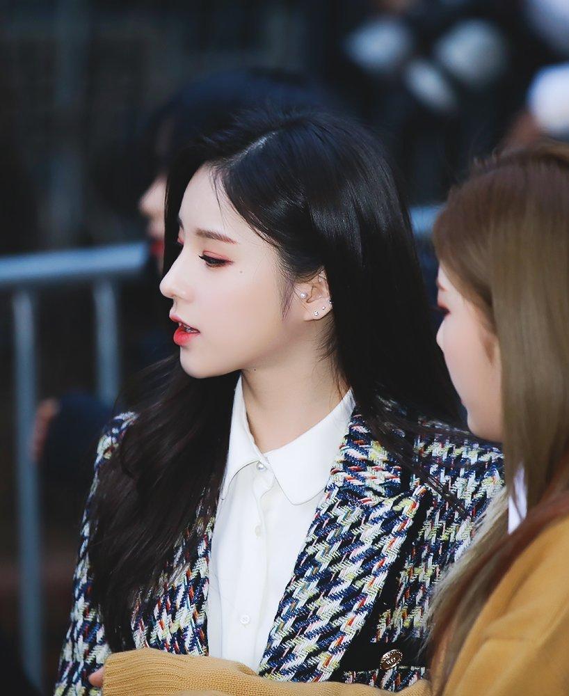 heejin profile 1