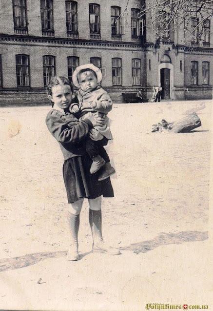 ДОС №15 Фото з родини Ткачових